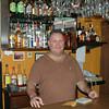 Pascal, dueno de bar. Buen amigo y prepara rico pisco sour.