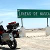 Llegamos a las famosas Lineas de Nazca en Peru.  Mi Kawasaki Versys tambien descansa para seguir camino.