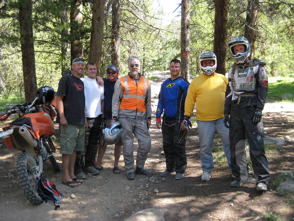 The crew with Bear, Cody, Dutch, Karst, Scott, Alberto and Anton