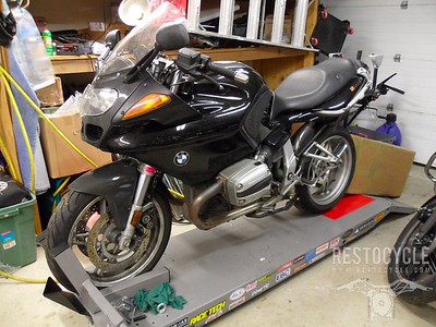 Spruce-up of a 2001 BMW R1100S