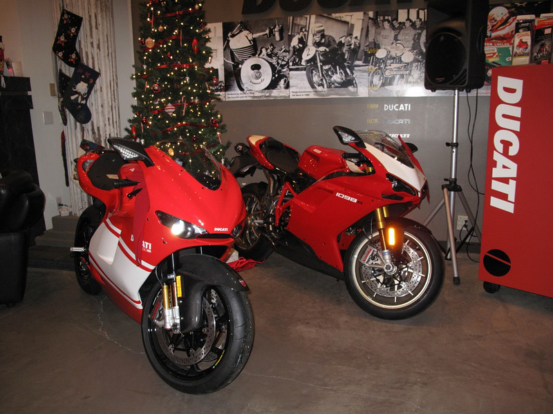 The perfect Xmas tree decorations - a D16RR and 1098R