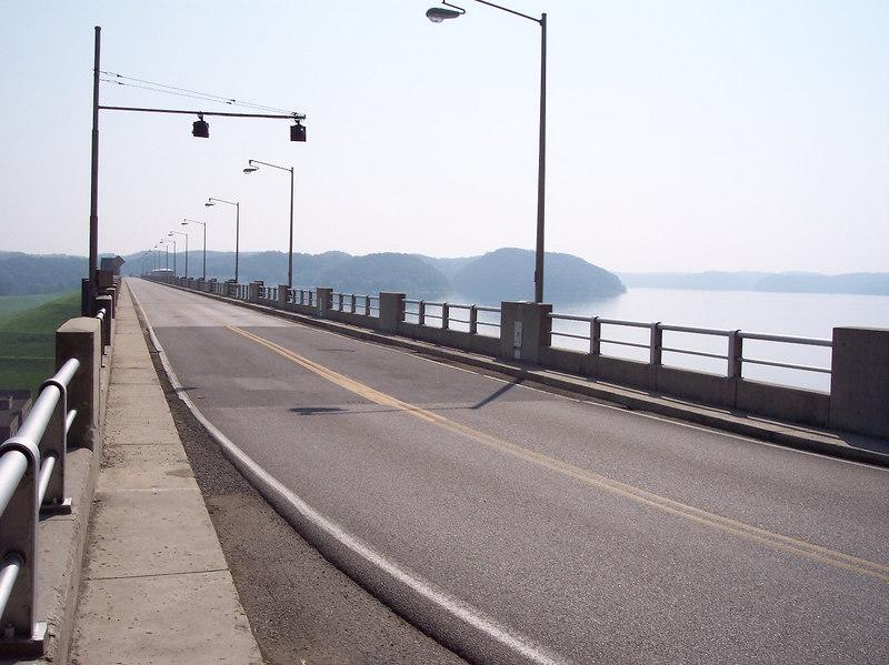 Bridge/dam across cumberland resevoir.