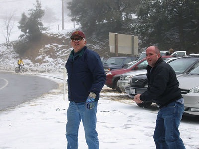 03/12/06 Hwy 9 at Hwy 35. Frank and James throwing snowballs.