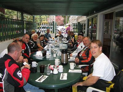 The group at breakfast. Brookdale Lodge in Ben Lomond.