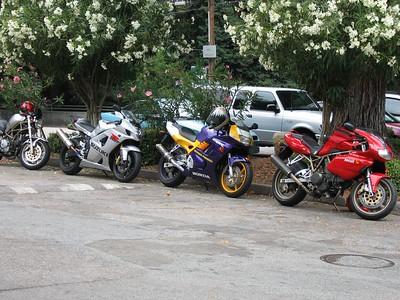 Nice parking job. Very orderly.