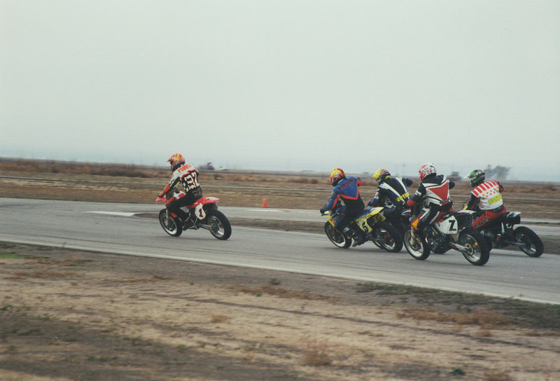 Rick Pierce leads the pack off the start at Buttonwillow.