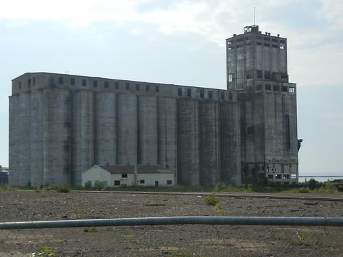 Abandoned grain elevator in Thunder Bay