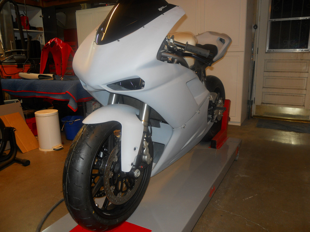 Almost finished with the fitting of the fairing.