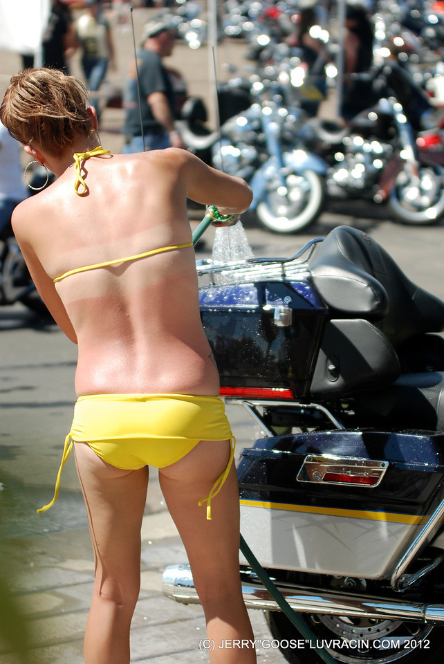GET YOUR BIKE CLEANED !