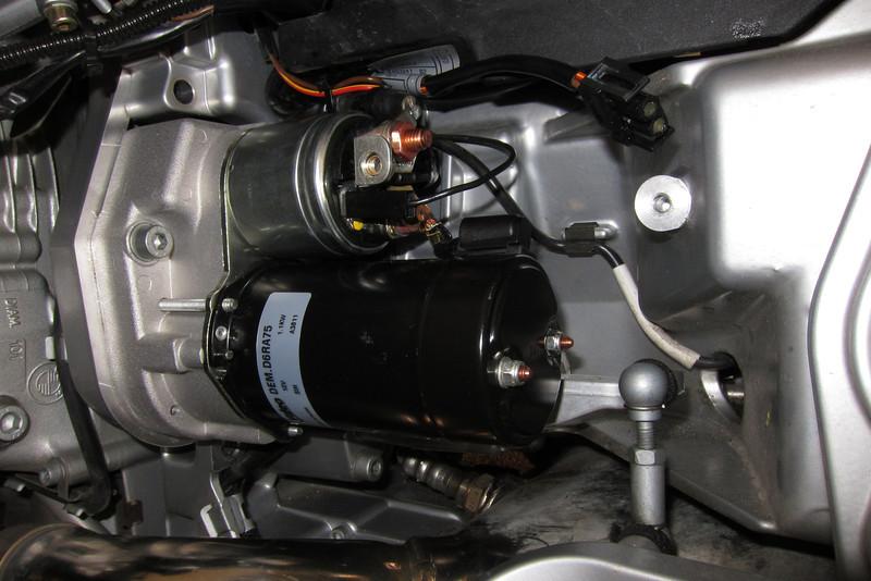 The new Valeo D6RA75 starter motor installed.