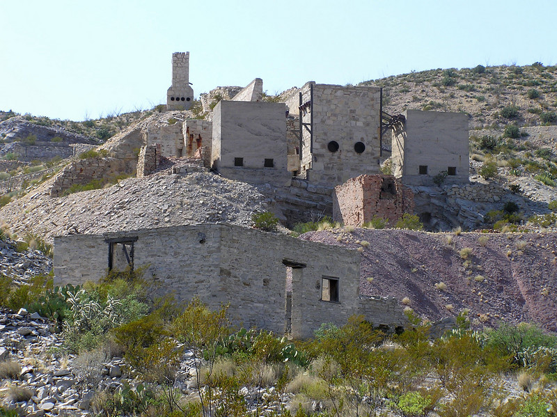 Mariscal Mine ruins on River Road
