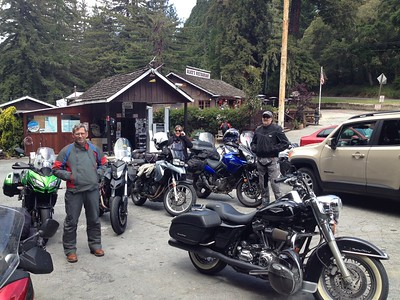 After a fun ride along Skyline Blvd., we had a nice lunch at Alice's Restaurant, a favorite stopping point for moto-ists.