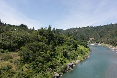 Third stop was on the bridge over the Eel River at Alderpoint (note the roof line in the trees to the left - there is a town in there).  A long-time local (lived here all his 75 years) stopped and chatted with us - quite the character.