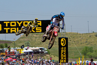 Chad Reed leads Ryan Dungey