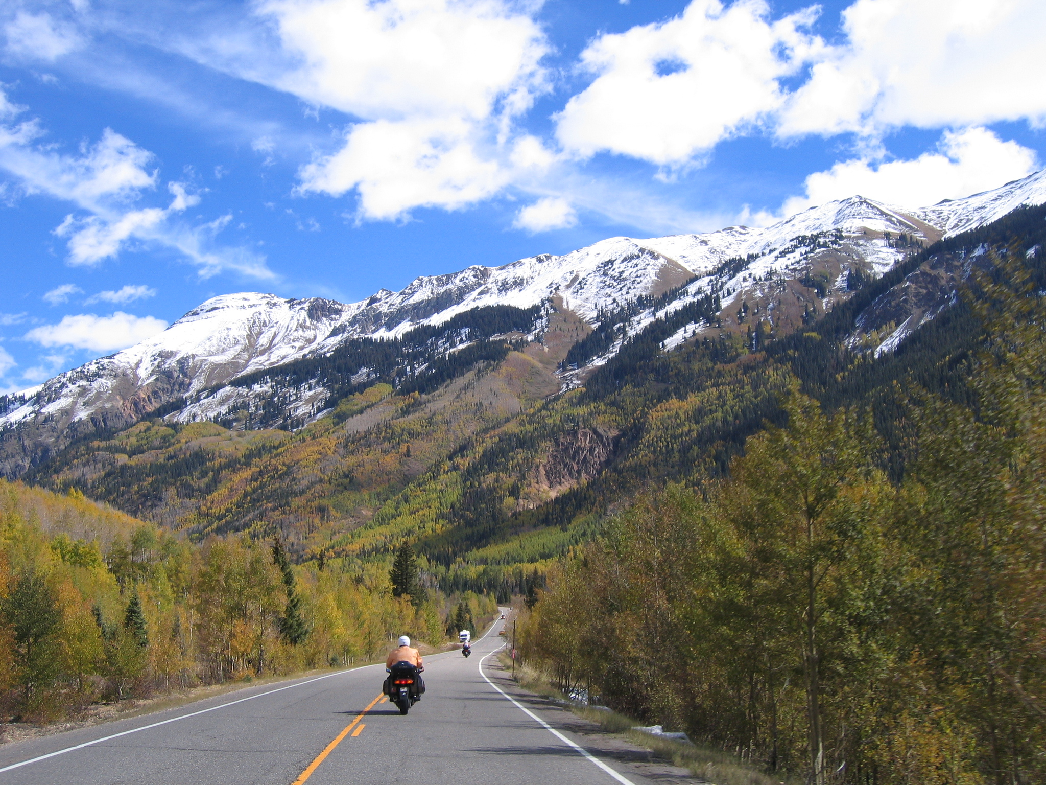 "This change from high desert to ""Rocky Mountain High"" was amazing.  Snow capped peaks, fall colors . . . wow."
