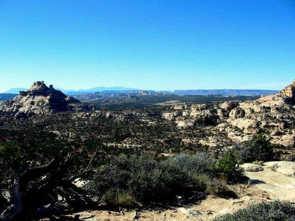 Beef Basin, looking north to Canyonlands National Park