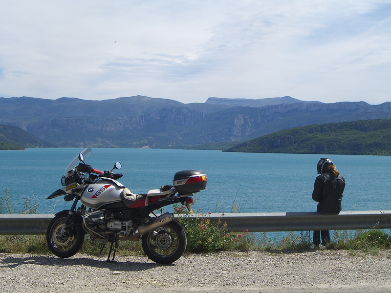 Jules and the bike looking East up the Lac de Sainte Croix