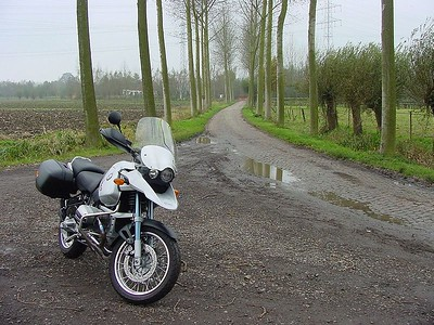 "My R1150GS in the ""polder"" in Bazel/Rupelmonde"
