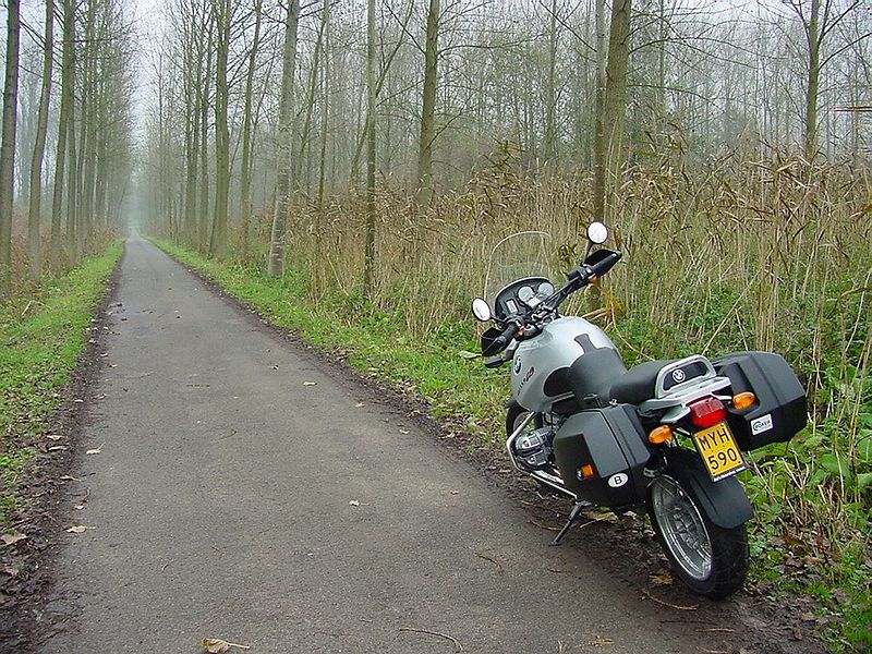 "My R1150GS in the ""polder"" near Temse"
