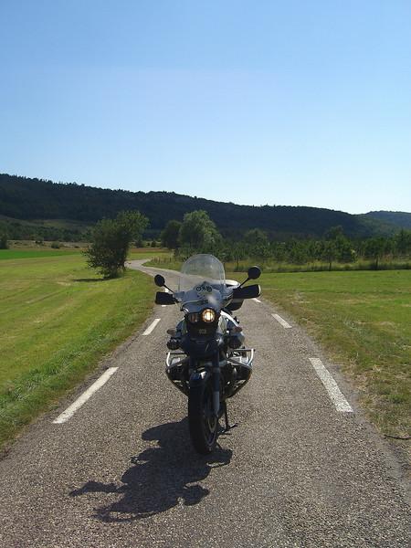 tiny roads up to La Roque Escaplon