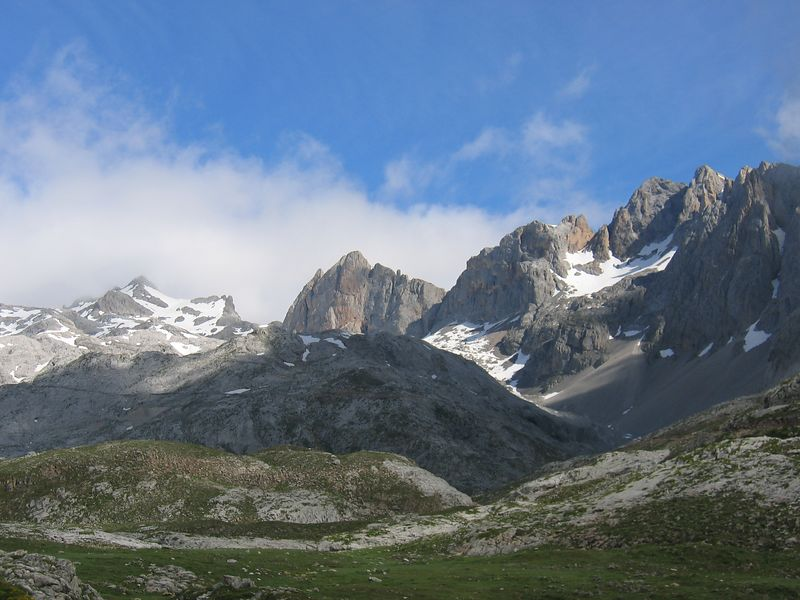 The Picos d'Europa...lovely Sunday 20/06/04