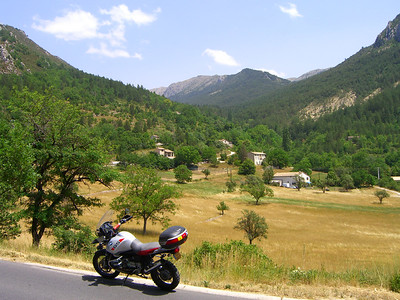Quick scoot to Castellane for lunch