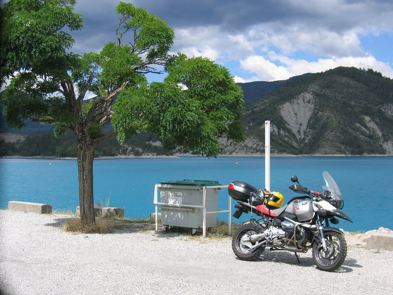 The lake on the D955 from Castellane north to St Andre