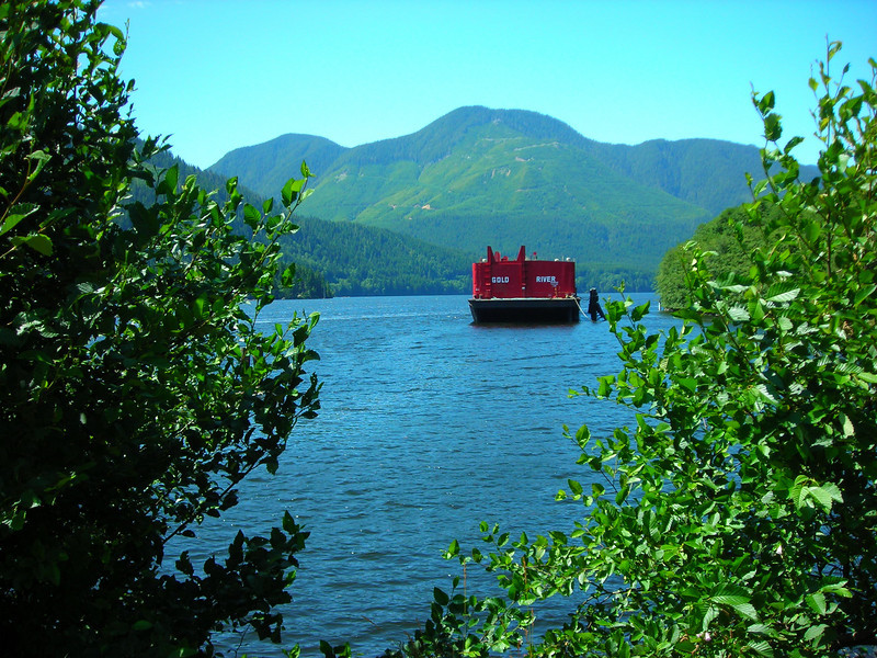20090722 Barge in Port Alice