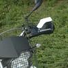 """Touratech Hand Protectors GD, with spoiler.<br /> Bestelnummer: 040-6681 en 040-7305<br /> Kleur: zwart/wit<br /> Prijs: € 79,89 en € 20,00<br /> Aangekocht bij: <a href=""""http://www.kohl.de/motorrad/"""">http://www.kohl.de/motorrad/</a>"""