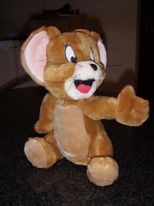 Jerry is de mascotte van Pvde (Patrick).