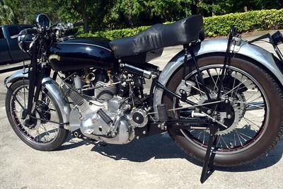 Vincent Motorcycle Number 1 Set 2 (6)