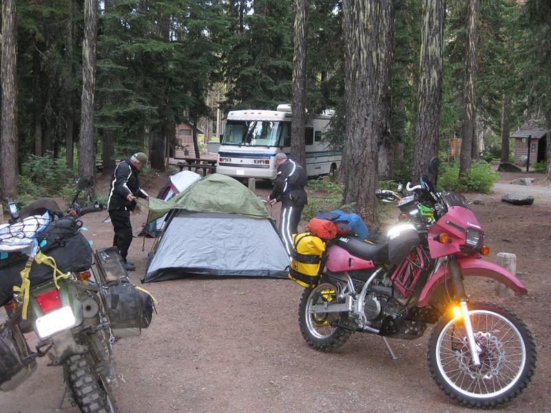 Setting up camp at Dog Lake USFS camp ground