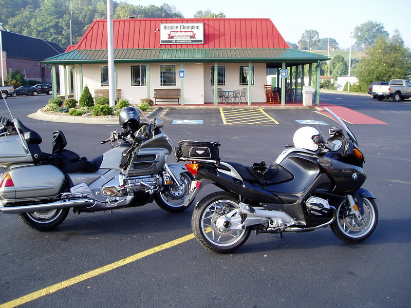Great breakfast here.  We stayed at the Two Wheel Inn and will again.