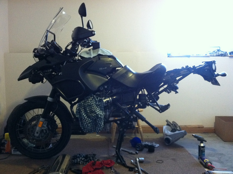 Exhaust, rear wheel, rear shock and Swing arm off.<br /> Windscreen, headlight guard, front fairing, beck, crash bars, and fog lights on.