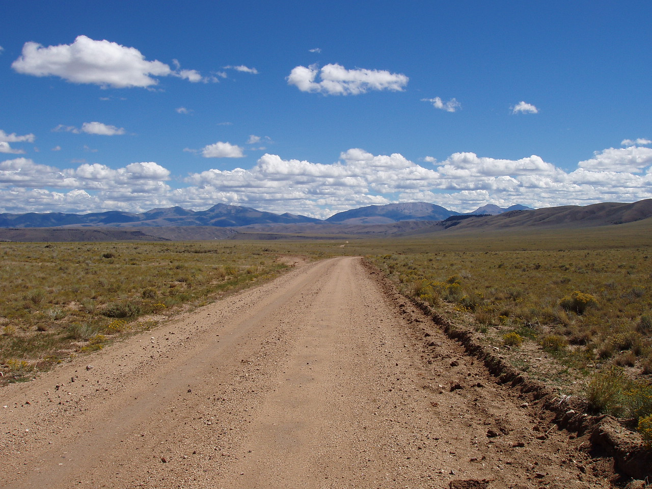 The start of Sweetwater road.