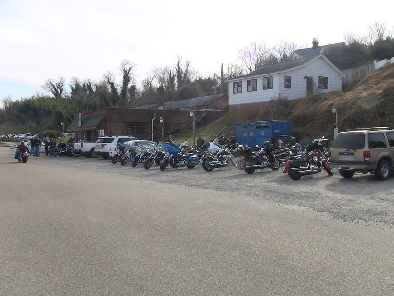 The Yorktown Pub is obviously a biker haven.  Lots of bikes out on the Colonial Parkway between Yorktown and Jamestown.  Temperature in the high 50's.
