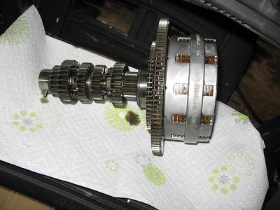 Transmission shaft/clutch assembly.