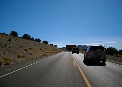 Two hour delay behind convoy of mining equipment: Carlin-Eureka, NV