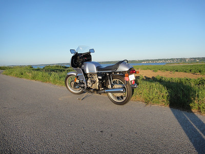77 R100 RS