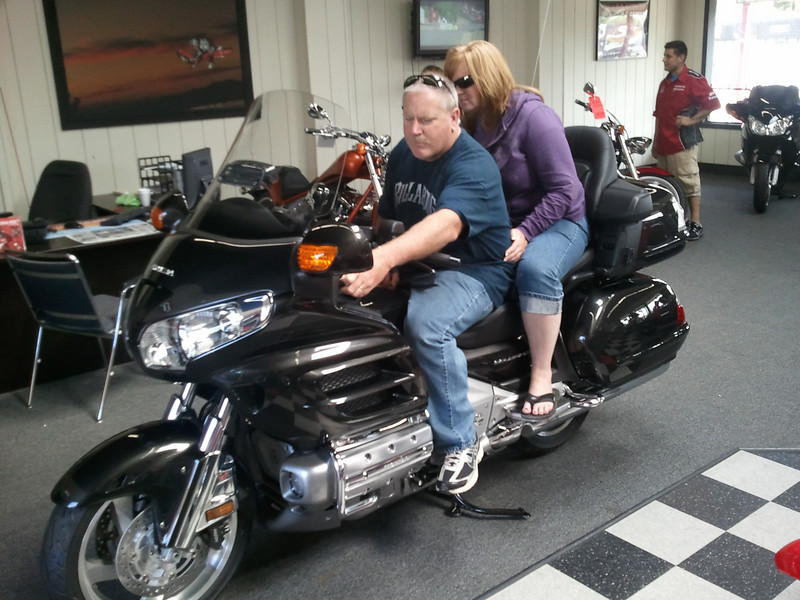 Testing the competition, the Honda Goldwing. I have to admit that it is one VERY comfy bike.