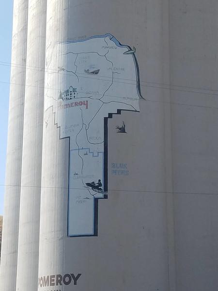 Pomerory mural on grain elevator