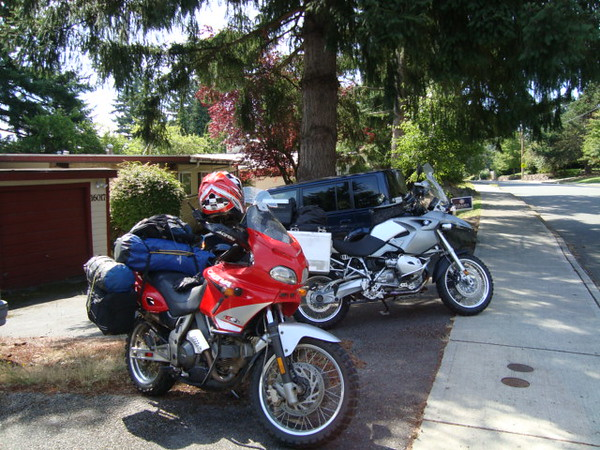 Friday 2pm (leaving a bit late), bikes packed with food, camp gear, and everything to be self contained including the essential cooler for ice cold beer. Wayde's Cagiva Grand Canyon 900 & my BMW R1200GS.