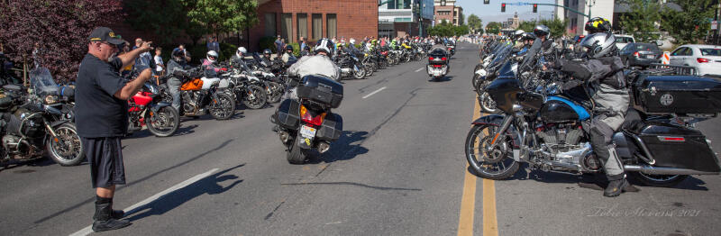 bike departing start line