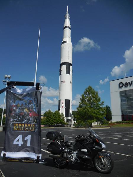 SATURN bonus - Saturn V rocket ship