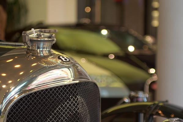 Bentley racing classic in contrast