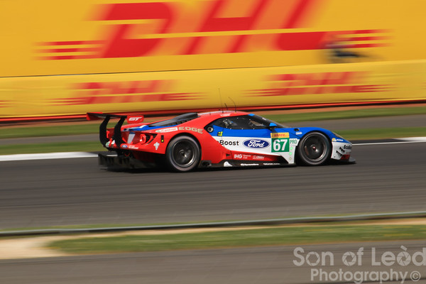 Ford GT GTEpro heading into Village