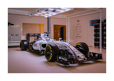 Williams Grand Prix Pit Garage Set Up with car
