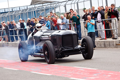 "Chris Williams' Packard-Bentley, ""Mavis"", powered by a 42 litre Packard V12 aero engine, developing 1500 bhp.  Mavis is based on a 1930 Bentley 8-litre chassis."