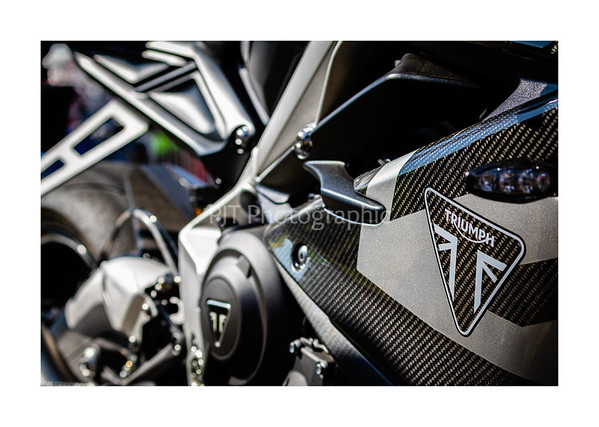 Triumph Daytona Moto2 765 Limited Edition Carbon Fairing