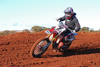 Southern_Cross_MCC_Seniors_08 08 2010_MX015